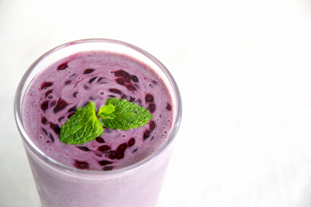 Blackcurrant Mint Chia Smoothie (26 of 43)