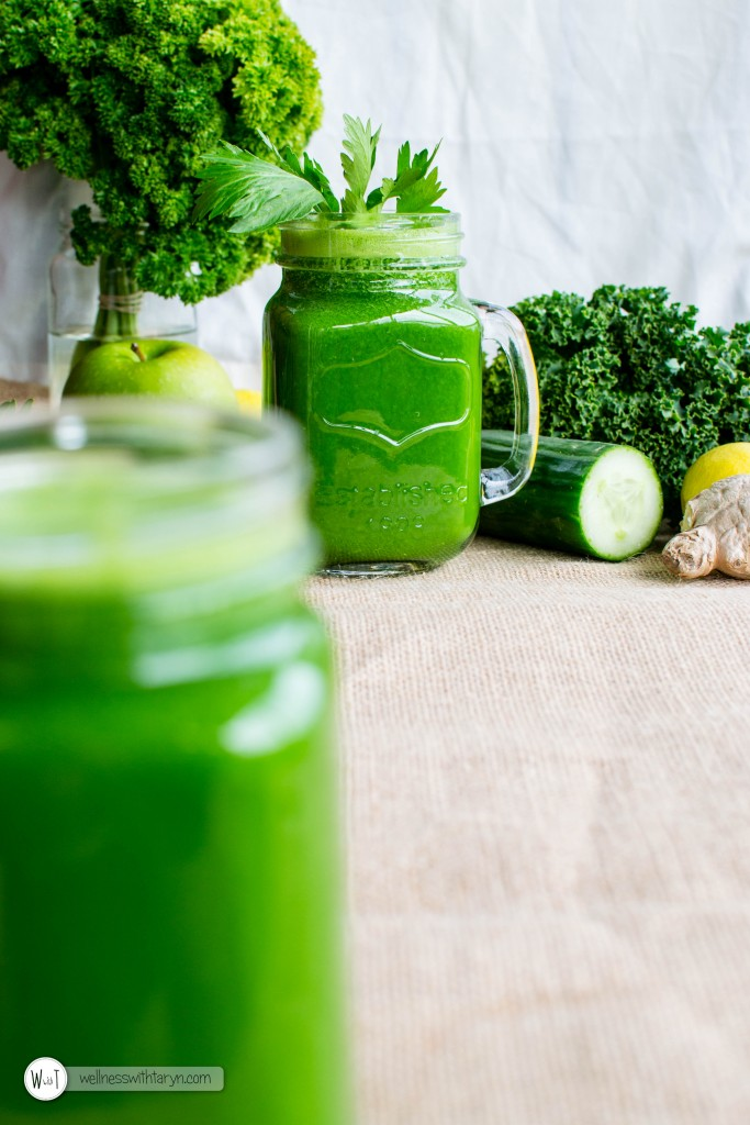 Detoxifying Green Juice (10 of 26)