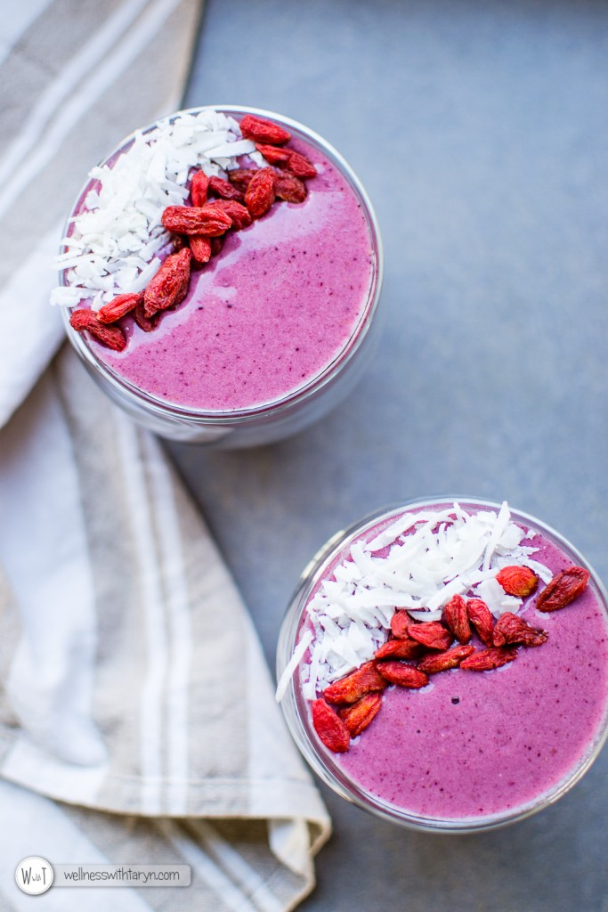Mixed Berry Protein Smoothie-16